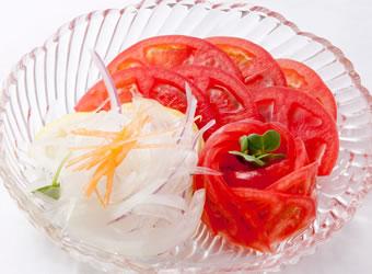 トマトと玉ねぎのスライス
