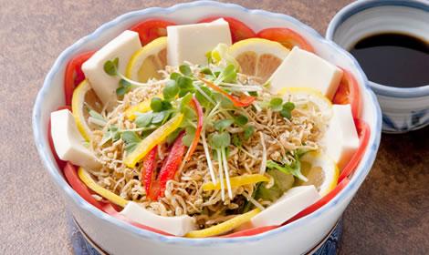 山芋と豆腐のカリカリジャコサラダ